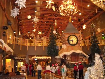 greatwolflobby - Great Wolf Lodge Christmas